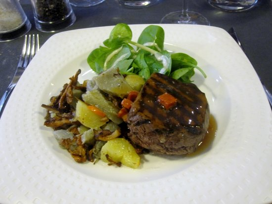 L 39 atable la roche sur yon restaurant reviews phone - La table restaurant la roche sur yon ...