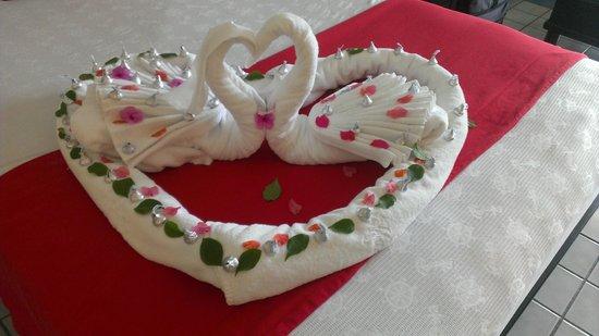 Marina Fiesta Resort & Spa: Honeymoon Display from the Housekeeping Staff