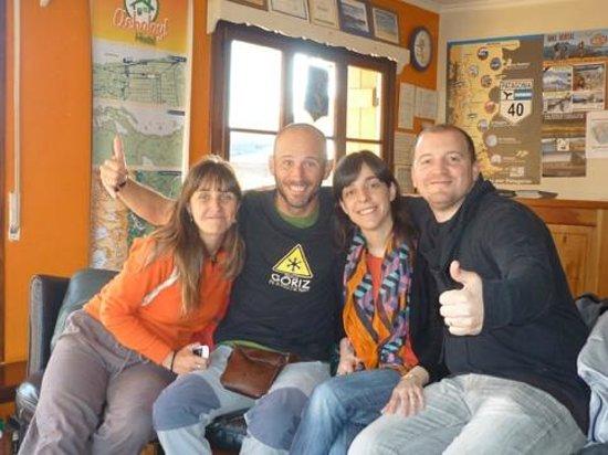 Hostel Achalay: Con Pablo y Flor