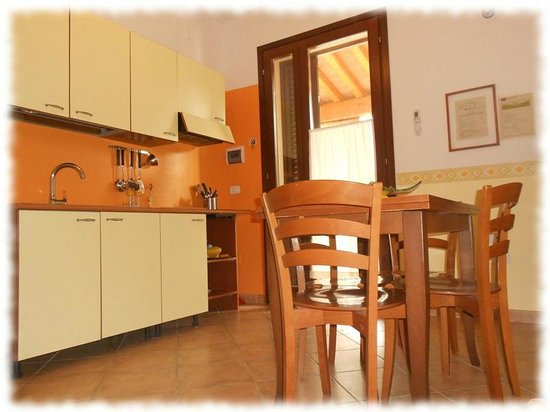 Agriturismo I Casamenti: Cucina Appartamento