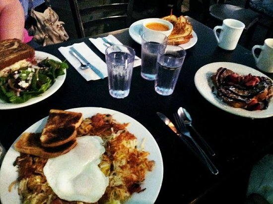 Jam on Hawthorne : brunch with friends
