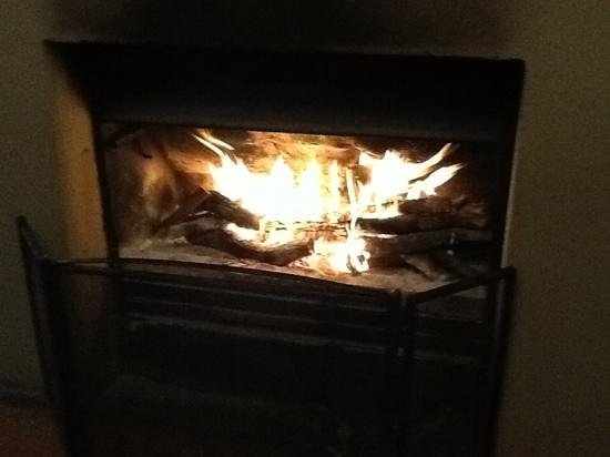 Kariega River Lodge: a warming fire at the end of a long day