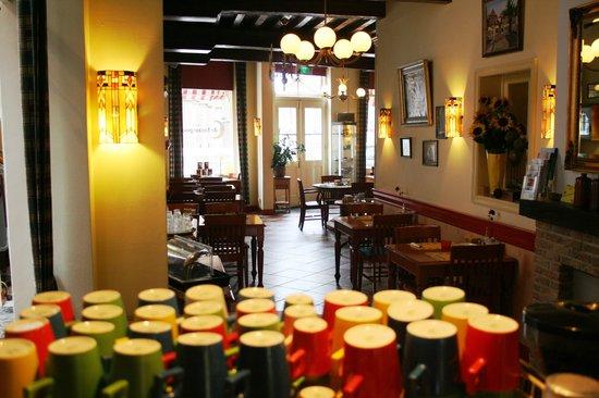 Hotel de Emauspoort: breakfastroom