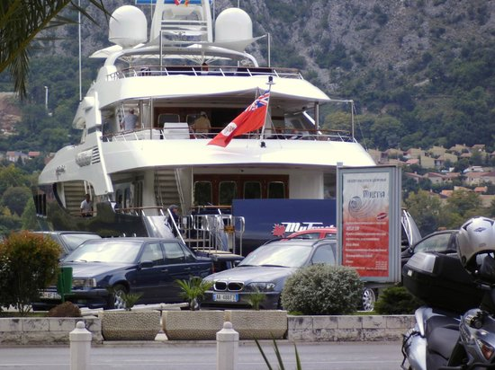 Caffe del Mare: jersey based super yacht