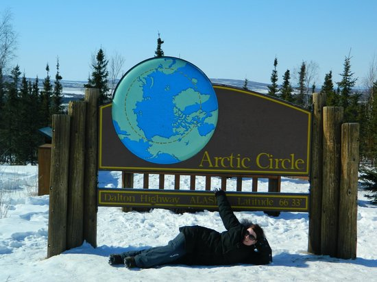 Northern Alaska Tour Company: Made it!  Arctic Circle!