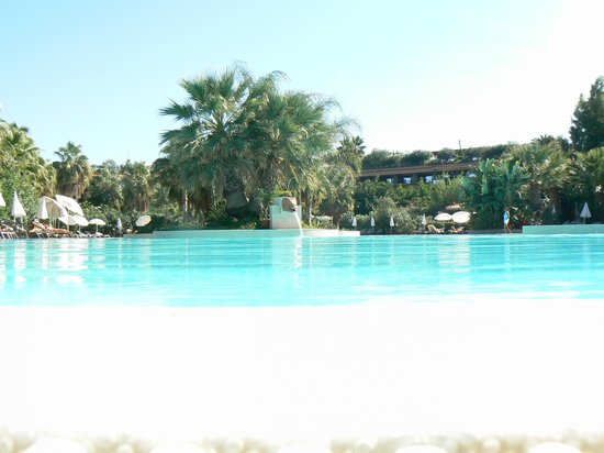 Acacia Resort Parco dei Leoni : The blue lagoon - okay it's the pool