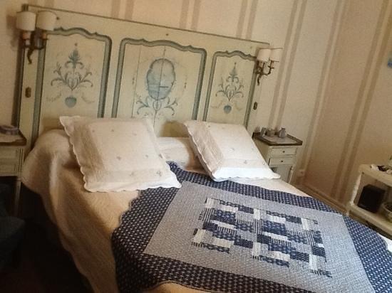 16 Place St Louis: bedroom