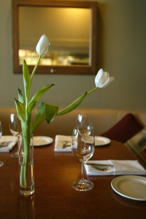 Brava Bistro: dining room