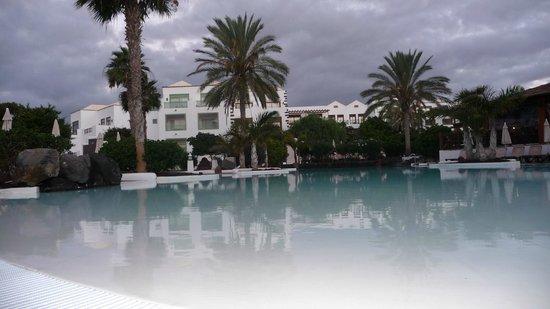 Gran Castillo Tagoro Family & Fun Playa Blanca: piscina climatizada