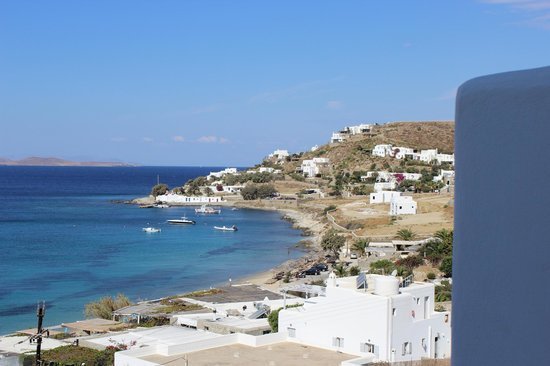 Mykonos Grand Hotel & Resort: View from balcony look to the right