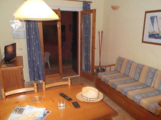 Sant Joan Apartaments: living/dining room