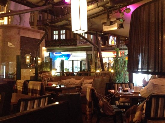 Macedonia Square: Splendido Bar