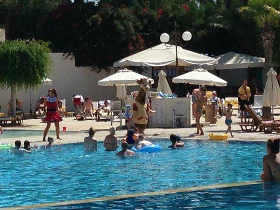 Elias Beach Hotel: pool