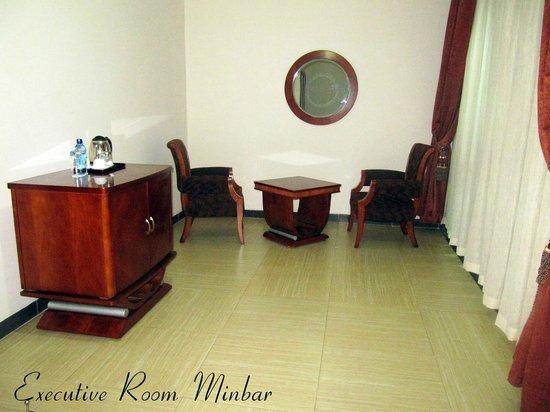 Aphrodite International Hotel: Executive Room Minibar Area