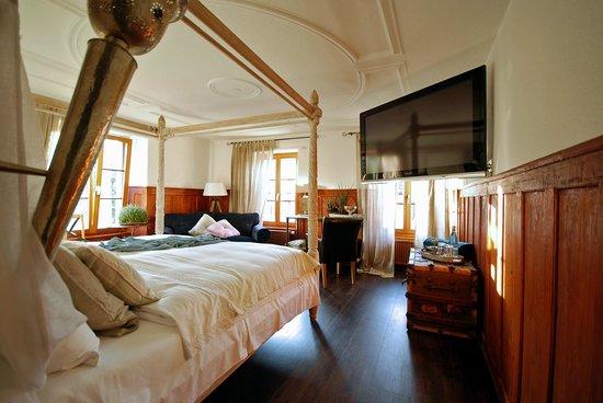 Pfaendle's Gasthof zum Baeren: Schlafbereich der Suite