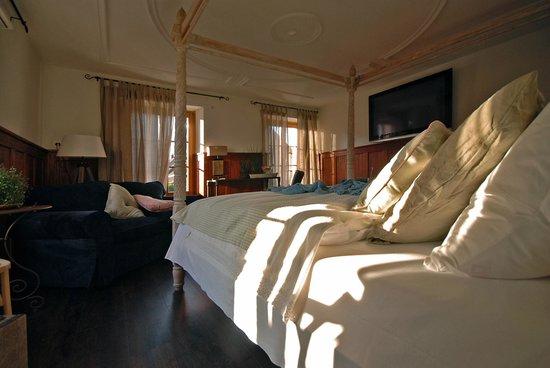 Pfaendle's Gasthof zum Baeren: Himmelbett in der Suite