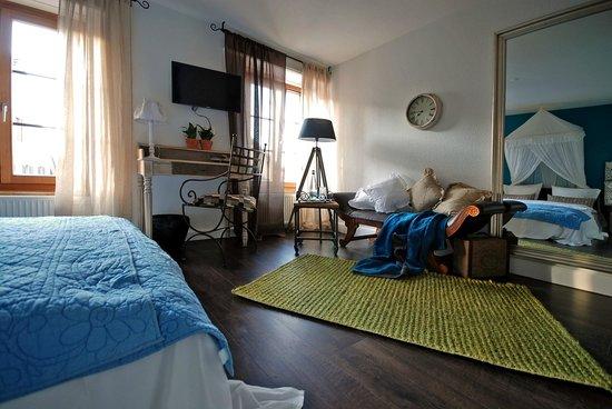 Pfaendle's Gasthof zum Baeren: Blick zum Fenster