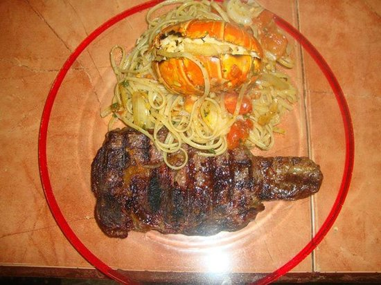 Hector's Bar and Italian Restaurant: Lobster, Steak and Pasta