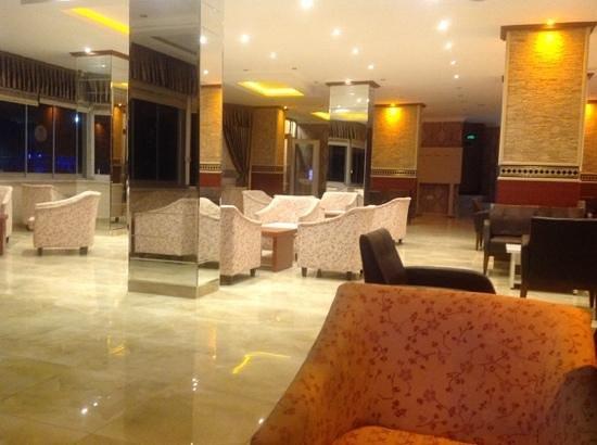 Grand Astor Beach Hotel: Лобби