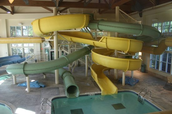 Hampton Inn & Suites North Conway: Awesome water park! (Adults OK!)
