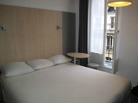 Ibis Styles Paris Cadet Lafayette : O apartamento.