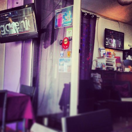 An Caisteal: Great place to watch the footy across three screens