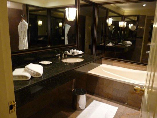 Belmond Miraflores Park : salle de bains