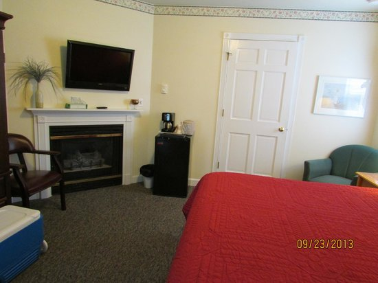 Cedar Court Inn: room 26