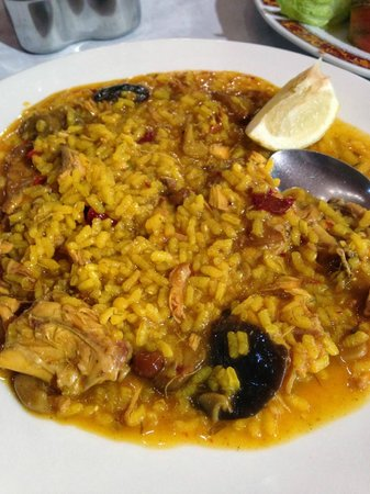 Cullar, Spain: Arroz demasiado caldoso.