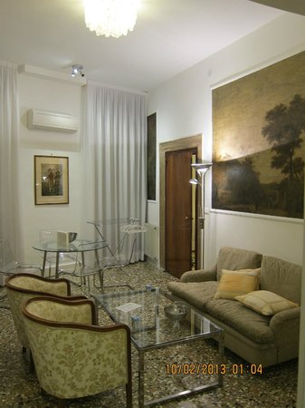 Residence Ca' Foscolo: our living, dining room