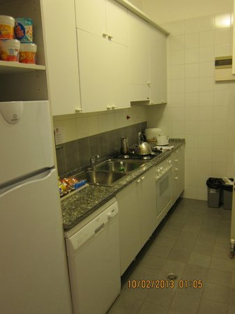 Residence Ca' Foscolo: Kitchen.... we made breakfast in Venice :)