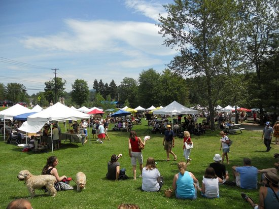 The Village Green at Stowe : Stowe Farmer's Market Every Sunday