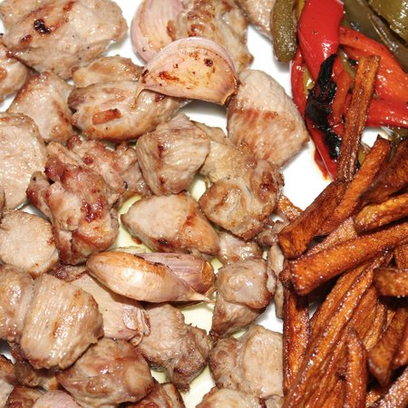 Restaurante de la Posada de San Jose: Pierna de Cordero Lechal, deshuesada y frita con ajos