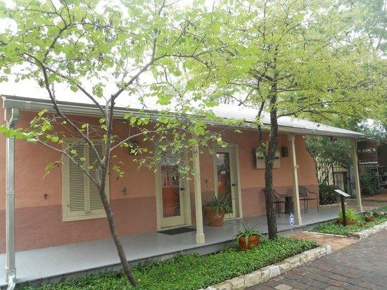 La Villita Historic Arts Village: Historic building