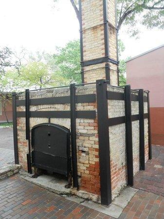 La Villita Historic Arts Village: Old oven