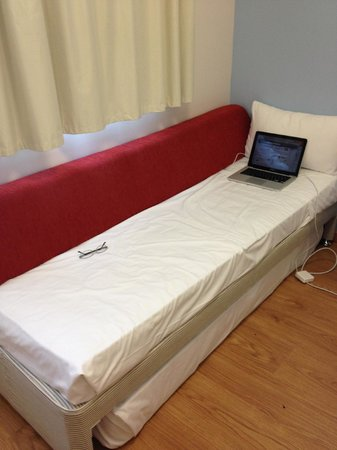 Travelodge Barcelona Poblenou Side Bed Was Ok For Small Had A Pull Out