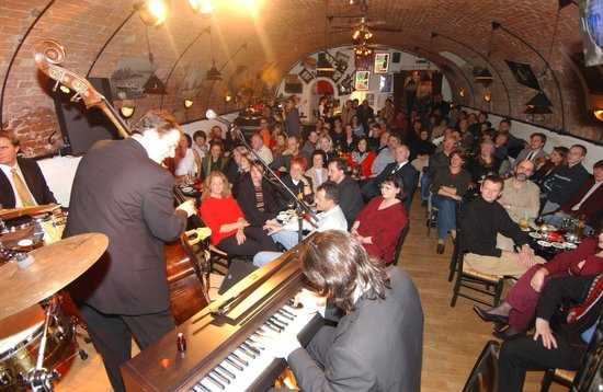 Adlerkeller: Konzerte in unserem Jazz-Club Uncle Satchmo`s
