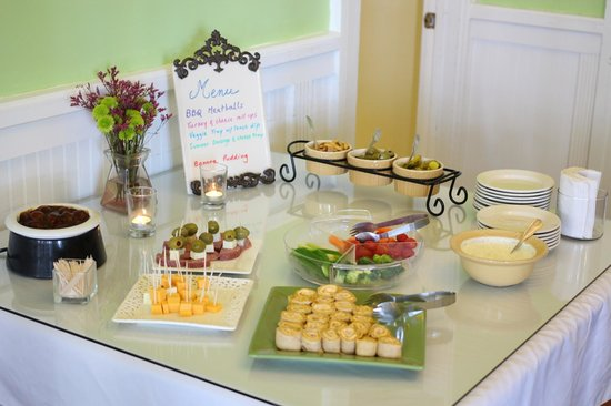 Bayfront Marin House Historic Inn : Happy Hour Selections