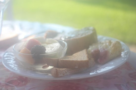 Bayfront Marin House Historic Inn : Breakfast Plate