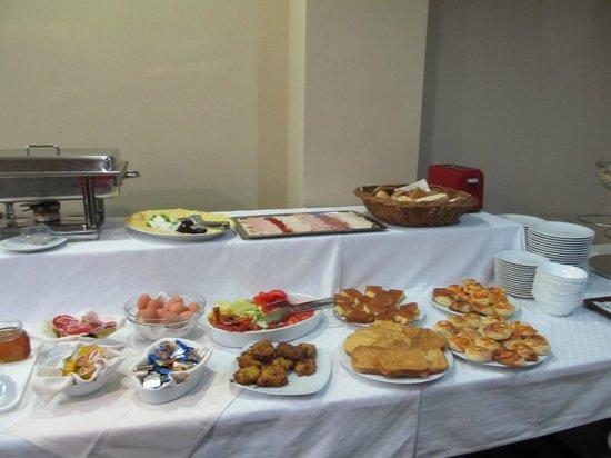 Balkan Hotel Garni: breakfast