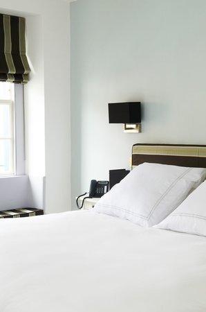The Salutation Inn: Bed room six