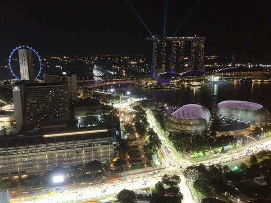 Swissotel The Stamford Singapore: Spectacular city view from 4052