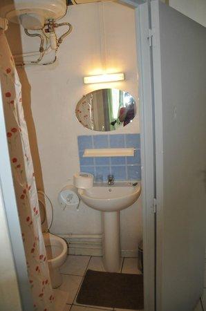 Hotel du Petit Paris Marseille : il bagno...
