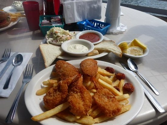 Polly's on the Pier: Seafood platter