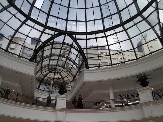 Vista do teto - Foto de Shopping Pátio Higienópolis, São Paulo ... 8cac30f055