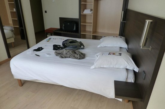 Hotel Escale Oceania Biarritz: Nice Room, Bit bland but clean and comfortable