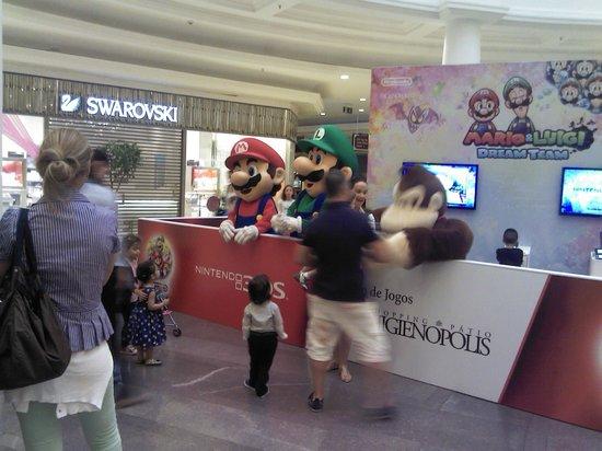 Personagens de vídeo game e desenhos - Foto de Shopping Pátio ... 200516c498