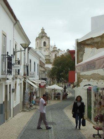 Église Saint-Antoine (Igreja de Santo Antonio) : A shot of Santo Antonio from the shopping district