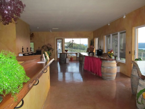 Damiani Wine Cellars: Spacious Upstairs at Tasting Room