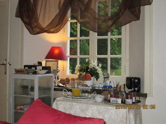 Le Manoir de Juganville : On se sert au petit-déjeuner